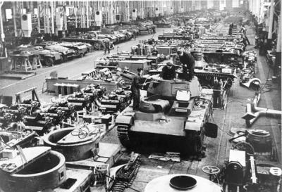 610px-Bundesarchiv_Bild_183-L04352,_Deutschland,_Rüstungsproduktion,_Panzer.jpg