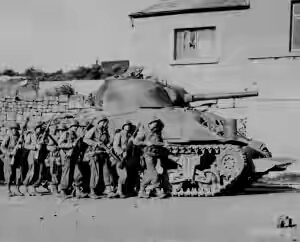 ww2-Sherman-troops-300x242.jpg